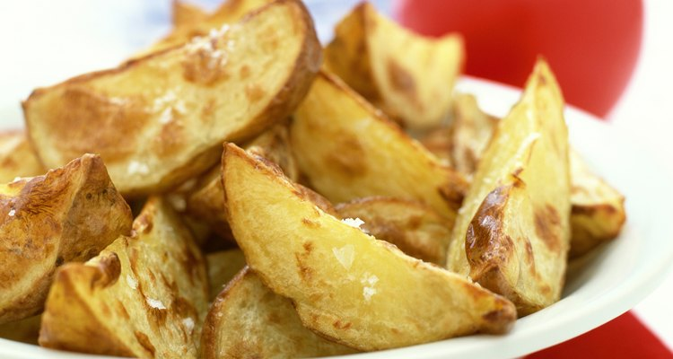 Las papas fritas caseras tienen alto contenido de potasio y vitamina C.