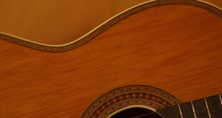 Proteja sua guitarra com um case personalizado