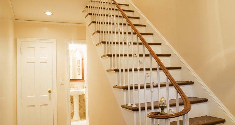 La pared del hueco de la escalera presenta desafíos de altura.