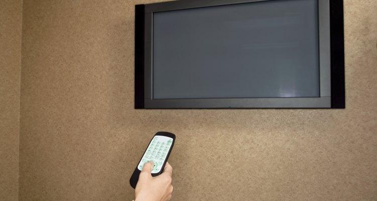 Cómo instalar una pantalla plana para que no se vean los cables.
