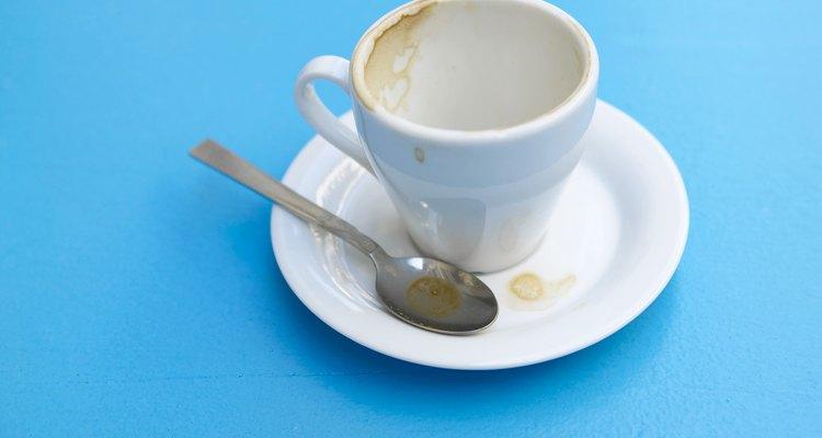 Los cafés sirven las bebidas a los consumidores solamente y debes de prepararlos por ti mismo.