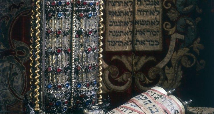 Filo intentó mezclar la filosofía griega y la religión judía.
