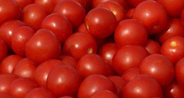 Si no tiene un color rojo sólido o si ves alguna decoloración, debes tirarlo.
