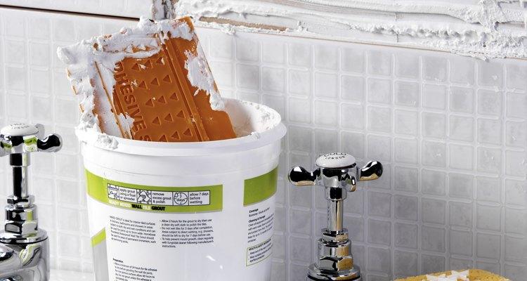 Los compuesto para uniones de secado controlado tiene una consistencia química diferente de los compuesto pre-mezclados.