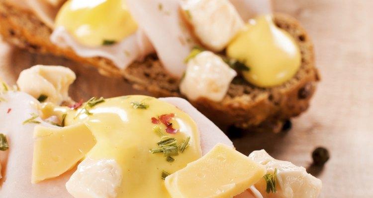 Peru e queijo no pão