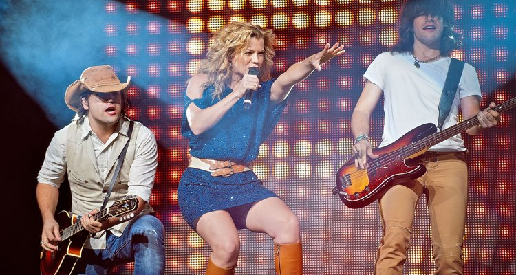 Rascal Flatts With The Band Perry & Cassadee Pope In Concert - Chicago, IL