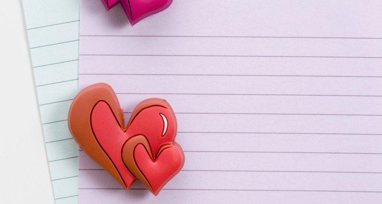 Escribe una nota de amor en el espejo del baño.