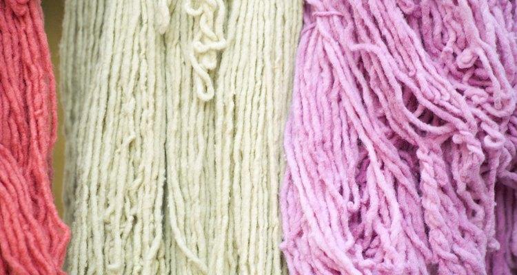 O algodão é natural e recebe o tingimento muito bem