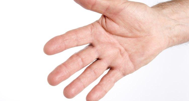 Retirar peles dos dedos pode ser um hábito nervoso