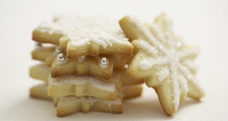 Corante alimentício muda a aparência do glacê marfim ou branco