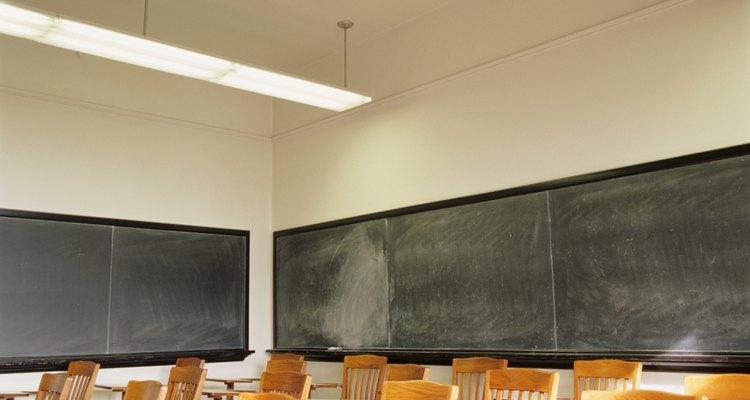 O zumbido das lâmpadas fluorescentes pode causar grande distração, especialmente no escritório ou na sala de aula