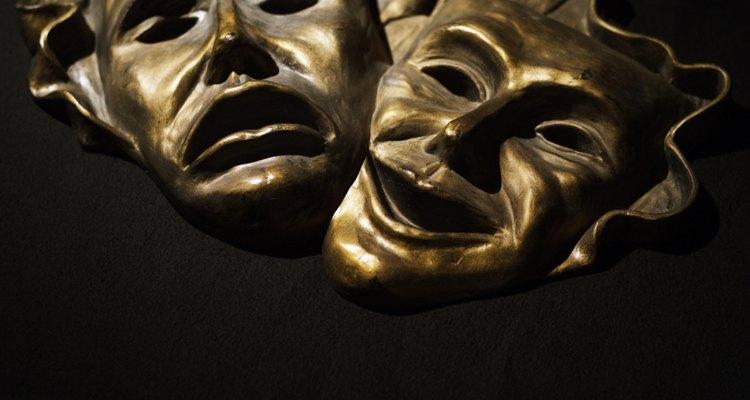 A máscara do Fantasma é simples de ser feita