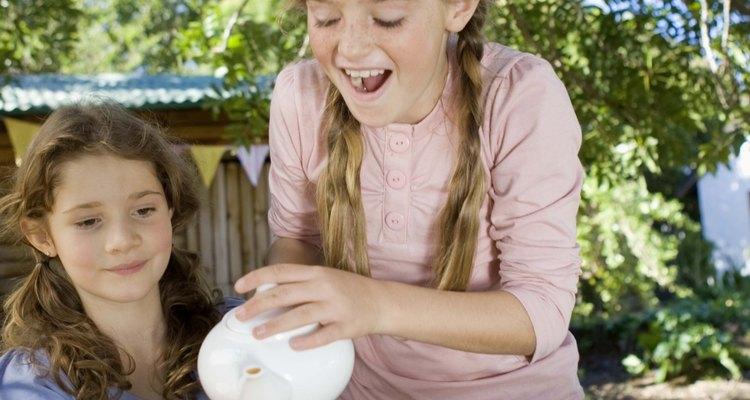 Diseña una reunión de té que disfruten las adolescentes.