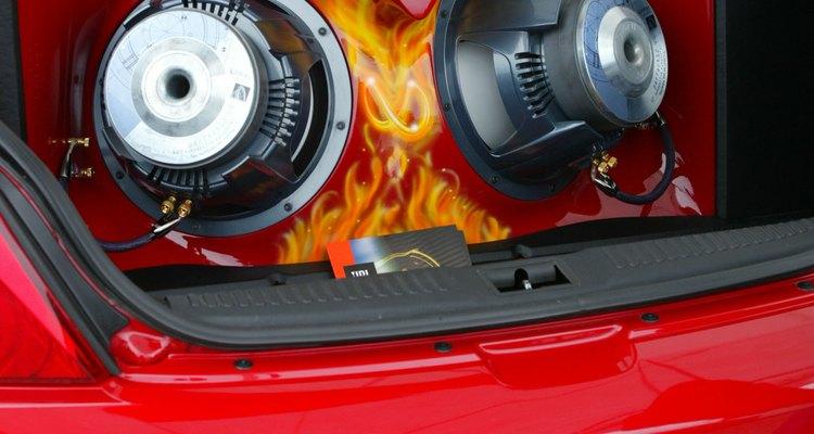 O principal componente do som de um carro é seu CD/DVD player