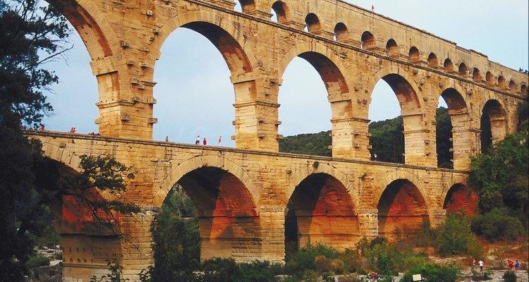 Aquedutos romanos canalizavam a água para abastecer as cidades romanas