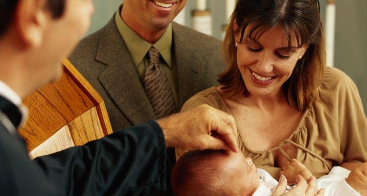 Algumas crianças são batizadas quando pequenas, caso os pais desejem
