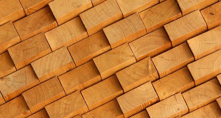 É possível remover o mofo verde da madeira sem a utilização de produtos químicos