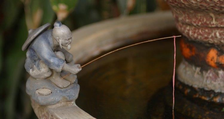 Decora tu fuente con una estatua.