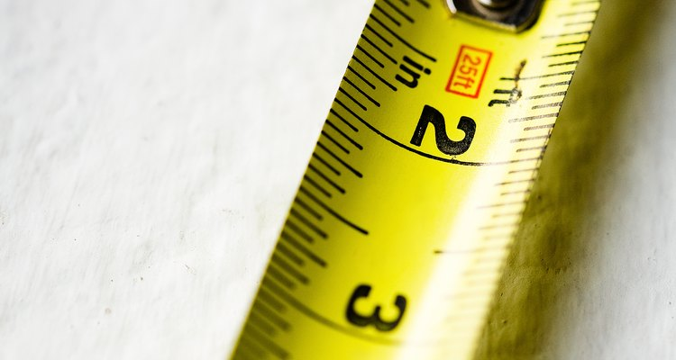 Whether you are measuring by the millimetre or the pica, determining point size is possible.