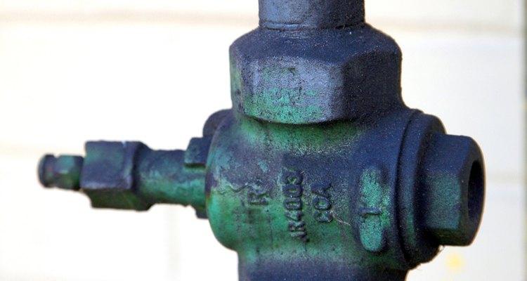 Las válvulas de alivio liberan la presión en un calentador cuando ésta ha sobrepasado el nivel seguro.