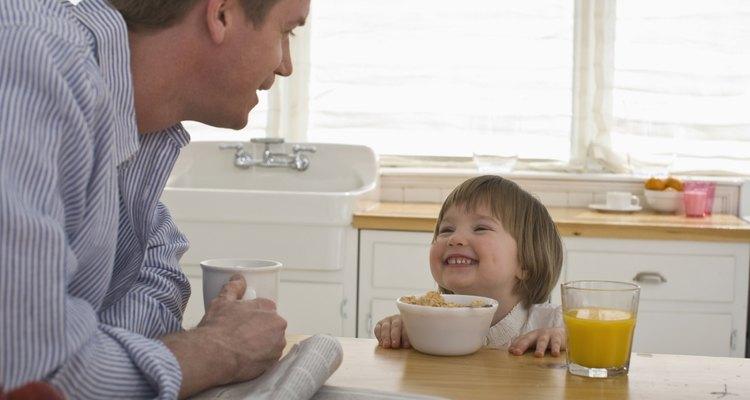 La porción para tu hijo debe ser adecuada para su cuerpo más pequeño.
