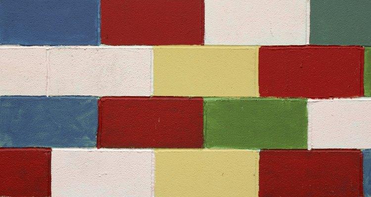 A tinta dá aos blocos de concreto mais cor e vida