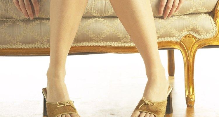 Os pés ficam mais bonitos quando o tom da pele é uniforme
