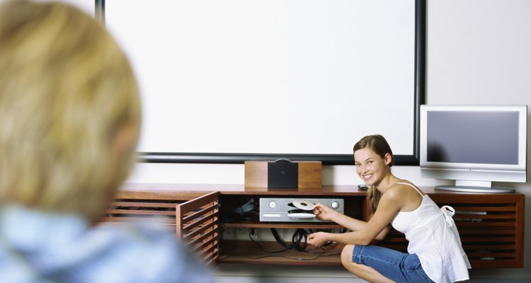 A maioria dos aparelhos de DVD com suporte a USB também pode ler a partir de HDs externos