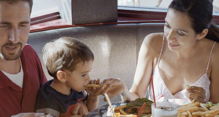 Los alimentos complementarios pobres no aportan ningún beneficio para los bebés y niños pequeños.