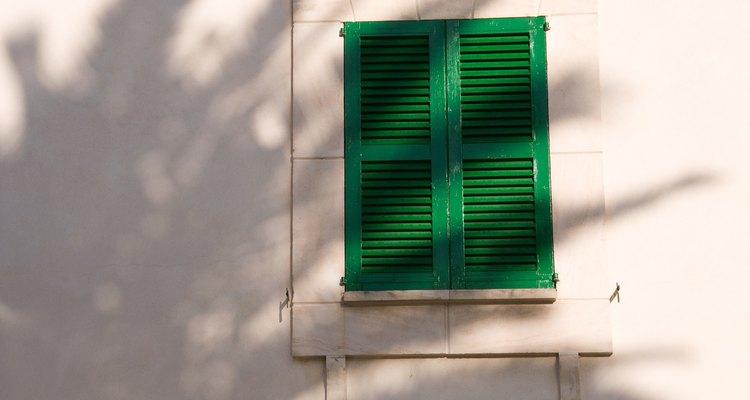 El estuco puede ser aplicado en cualquier superficie para crear un exterior estéticamente agradable.