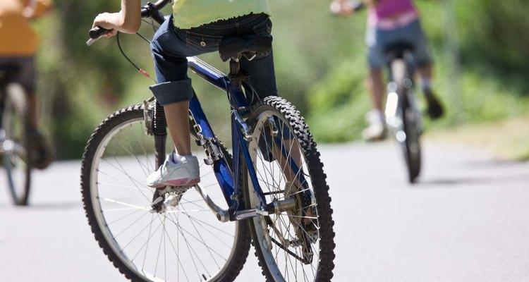 Muitos quadros de bicicletas de hoje são construídos com ligas de alumínio