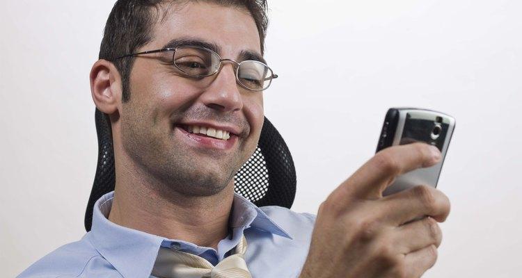 Uso de celular no ambiente de trabalho pode ser uma distração