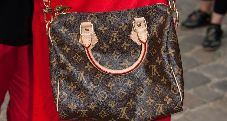 El precio promedio de una cartera Louis Vuitton es mayor a los US$1.000.