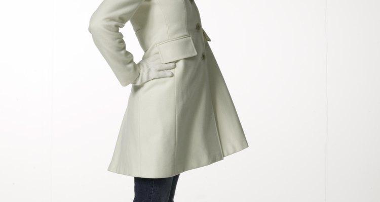 Mantenha seu casaco de lã impecável limpando-o regularmente