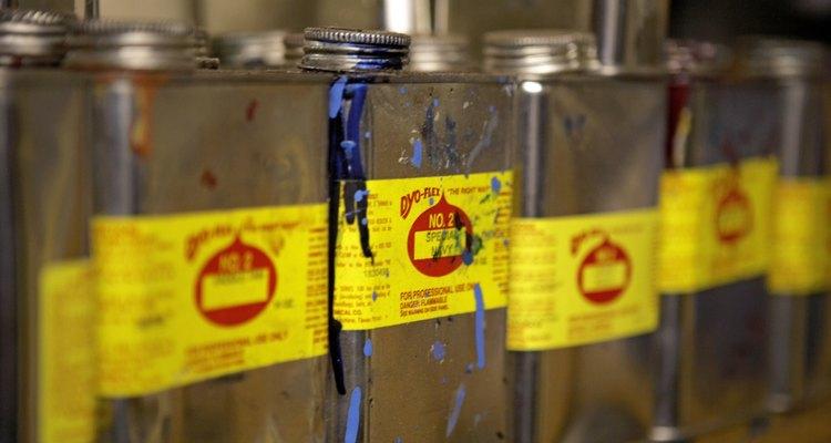 Comprimir gas metano en recipientes duraderos es la forma más segura de hacerlo.