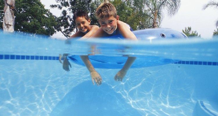 Saiba como aquecer a água para uma piscina inflável
