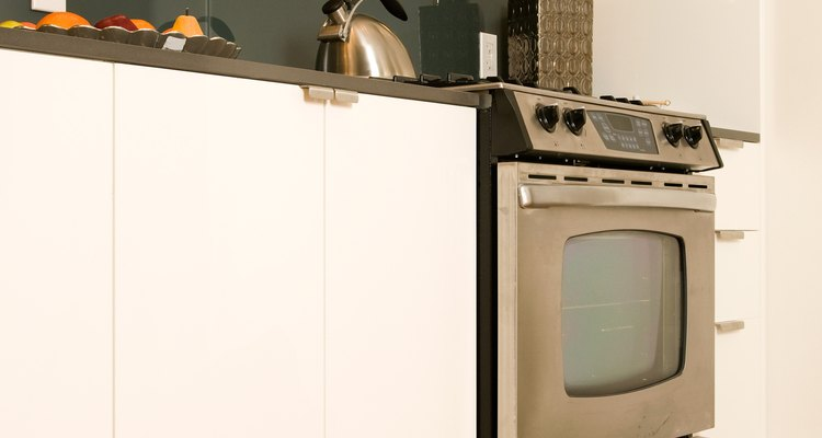 Solve problems with your Smeg oven at home and save money on repairs.