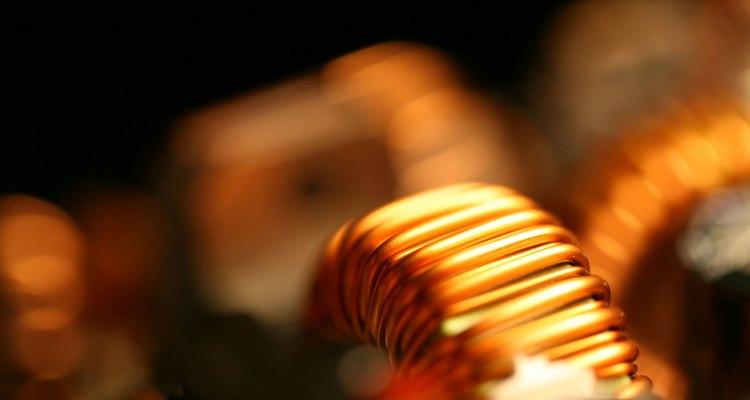 Cobre é um metal iônico que é absorvido ativamente pela pele para o corpo