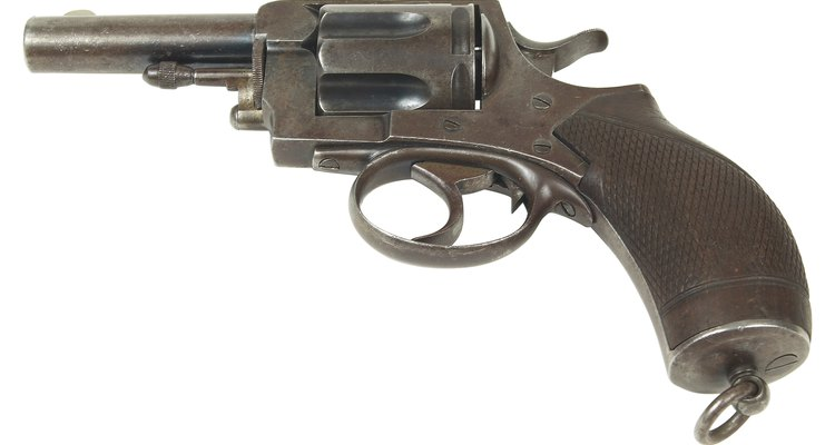 """La mayoría de las armas son """"azuladas"""" con magnetita para protegerlas contra la corrosión."""