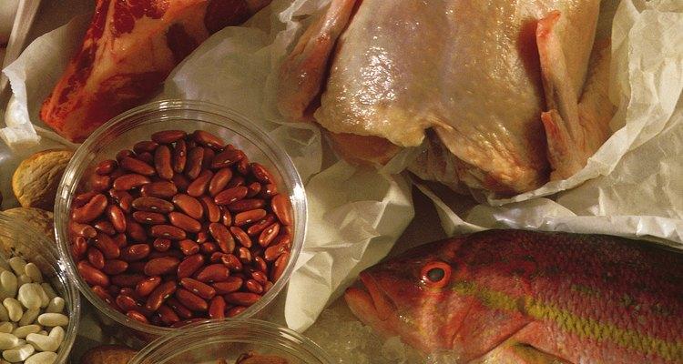 A dieta de alto teor proteico traz inconvenientes, como problemas gástricos