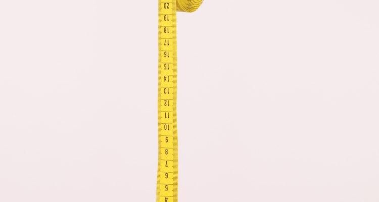 Uma fita métrica de roupas pode ser utilizada para medir seu punho