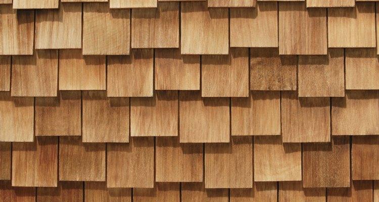 Las tejas de madera no pueden instalarse sobre techos planos.