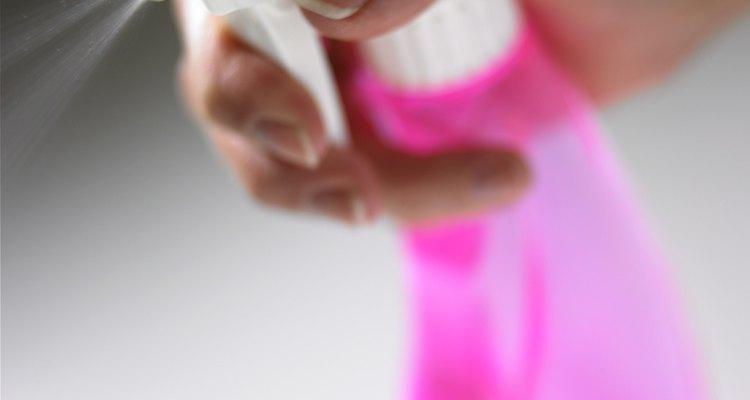 Faça seu próprio produto de limpeza com ácido bórico e vinagre como ingredientes