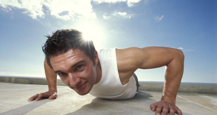 A flexão de braço é um exercício excelente para resistência