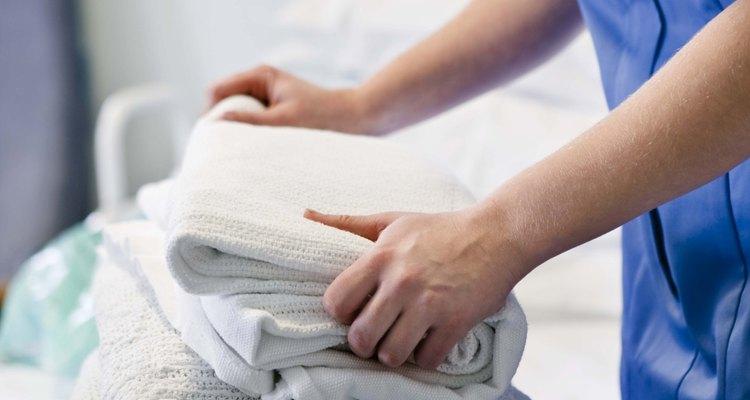 Suaviza las toallas con suplementos de la casa.