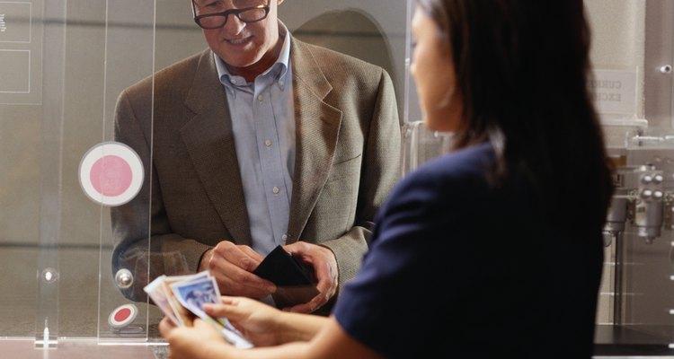 Saiba as habilidades essenciais de um caixa de banco