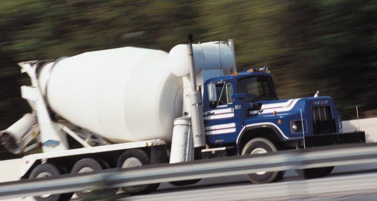 Los mezcladores de cemento pueden ser usados para transportar como también para mezclar el cemento.
