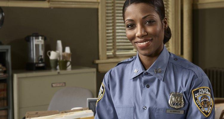 Cuando se realiza una llamada de emergencia, los oficiales necesitan responder y enfocarse en la situación específica tan pronto como sea posible.