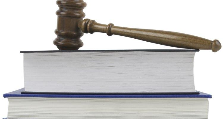 Para ser asistente legal no se necesitan certificados especiales.