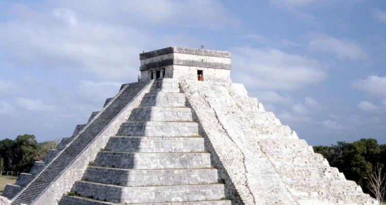 A construção das pirâmides maias começou em aproximadamente 250 d.C.